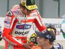 Antara Rossi dan Stoner di Estoril