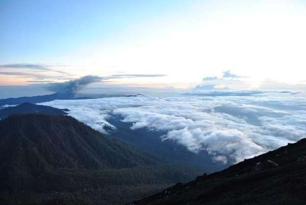 Pendakian Seru Menaklukkan Puncak Mahameru Gunung Semeru