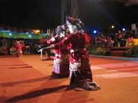 Tari tenun, tarian daerah yang ditampilkan di opening ceremony Tour de Singkarak 2012 (Afif/detikTravel)