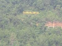 Nama Sawahlunto dalam sebuah bukit. Bak Holywood di Amerika (Afif/detikTravel)