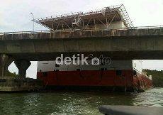 Kemhub: Kapal Tabrak Jembatan Barelang Batam karena Hanyut, 5 ABK Hilang