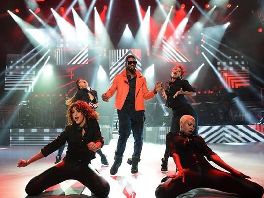 Usher Ngejreng Tampil di London