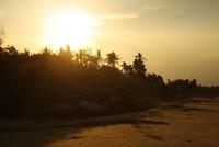 Sunset yang cantik di Pantai Slopeng, Madura (Vanya Safitri/ACI)