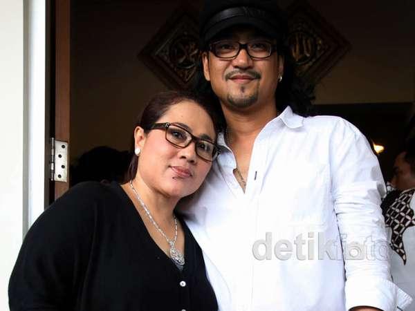 Nunung dan Iyan Klarifikasi Soal Kisah Cintanya