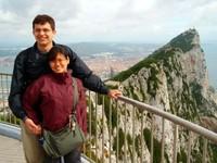 Dua Ransel bertualang di Gibraltar (vagabondquest.com)