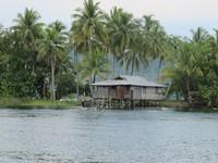 Gubuk bekas peninggalan sekutu di Pulau Hosena (Sastri/ detikTravel)