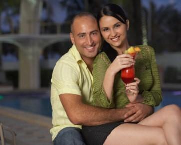 8 Tips Berpacaran dengan Pria yang Usianya Jauh Lebih Tua 4e68cbdcf9