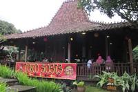 Restoran Rumah Sosis bergaya Joglo (Fitraya/detikTravel)