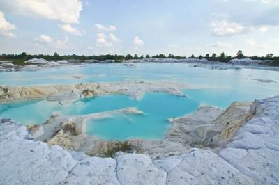 Kawah Putih Punya Kembaran di Belitung!