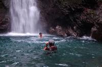 Segarnya berenang di Curug Ngumpet (pbase.com)