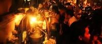 Suasana Angkringan Lik Man (ariecamaro.wordpress.com)