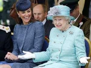 Keakraban Ratu Elizabeth dan Kate Middleton
