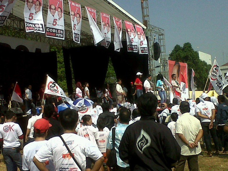 Joget India Meriahkan Kampanye Faisal-Biem