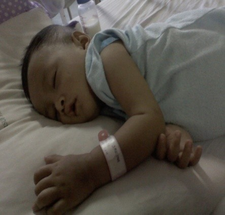 Emilly Bayi Penderita Kanker Darah Itu Butuh Pertolongan