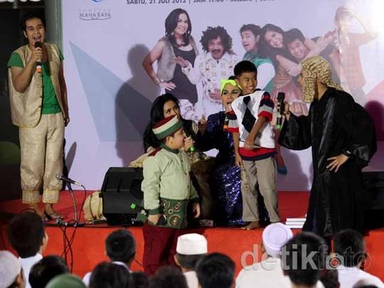 Pesbukers Buka Bersama 150 Anak Yatim&Dhuafa