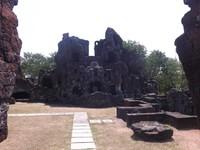 Beberapa bagian di Tamansari Sunyaragi hancur