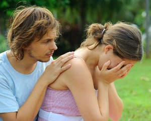 4 Alasan Pria Benci Melihat Wanita Menangis