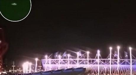 Benda Diduga UFO Muncul di Langit Inggris Saat Pembukaan Olimpiade