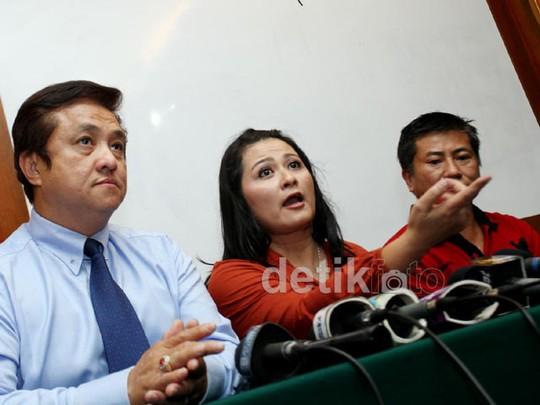 Mantan Istri Polisikan Calon Suami Nunung