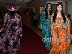 Fashion Show Kaftan Ala Ina Thomas