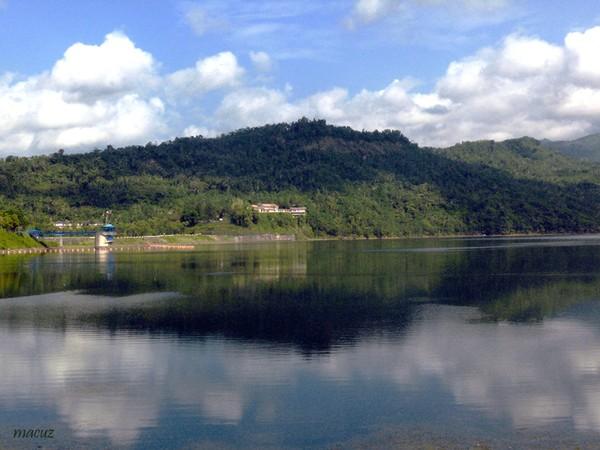 Panorama cantik Waduk Sempor