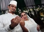 Rencana Pernikahan Terhambat, Nunung Tetap Tersenyum