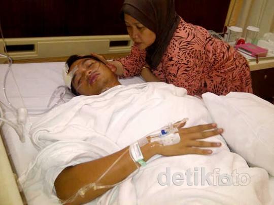 Kecelakaan Moge, Rezky Aditya Terbaring di Rumah Sakit