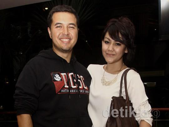 Sissy Priscillia Lepas Kangen dengan Sang Suami
