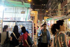 Ubek-ubek Pasar Malam Temple Street Hong Kong