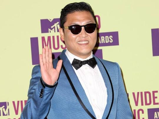 Saat Psy Hadir di MTV VMA 2012