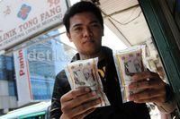 Klinik Tong Fang yang terletak di Kelapa Gading, Jakarta Utara ini tidak beda dari klinik herbal tradisional China (TCM atau Traditional Chinese Medicine) lainnya. Yang membuatnya kontroversial adalah iklan klinik Tong Fang di media, yang dianggap berlebihan dan akhirnya jadi guyonan di jejaring sosial seperti Twitter bahkan mendapat teguran dari Komisi Penyiaran Indonesia (KPI). (Foto: detiknews)