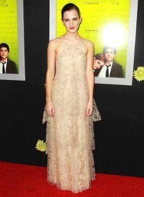Emma Watson Tampil Superseksi di Premiere \Perks of Being a Wallflower\