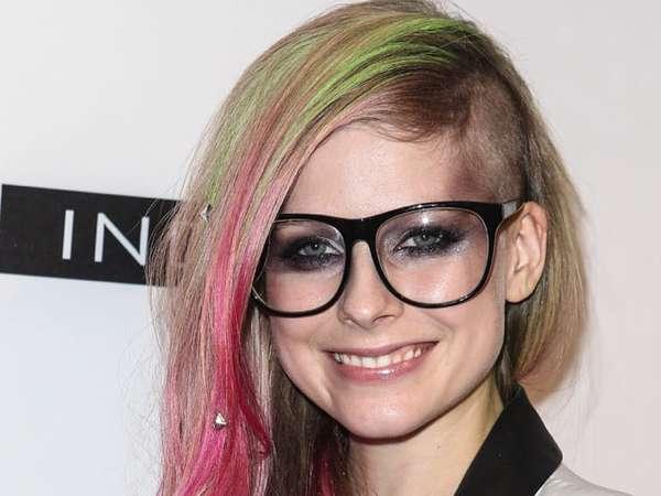 Rambut Avril Lavigne Bertabur Studded
