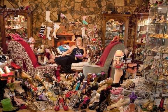 pemegang rekor pengoleksi sepatu tebanyak di dunia