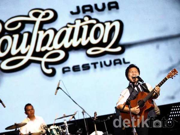 Aksi Shandy Sondoro di Java Soulnation 2012