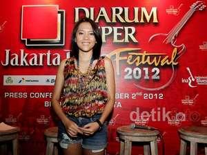 Lala Karmela Siap Ramaikan JBF 2012