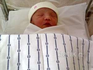 Anji Ciumi Anak Sheila Marcia