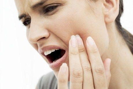5 Faktor Yang Menyebabkan Infeksi Pada Gigi