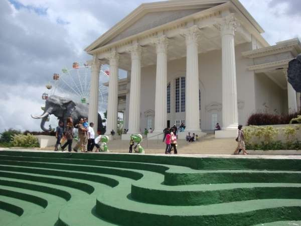 Tampak Museum Satwa di Jawa Timur Park 2 (Anshar Dadiady/ACI)