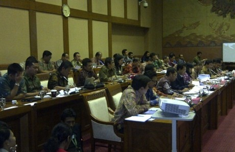 Para petinggi Telkom dan Telkomsel dalam rapat di Komisi VI DPR (rou/inet)