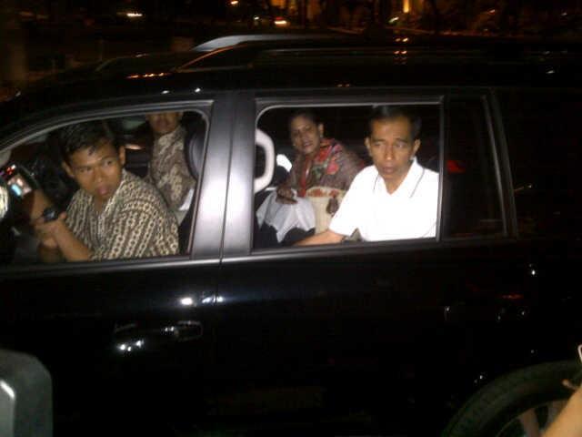 Ini Alasan Jokowi Akhirnya Mau Menggunakan Mobil Dinas Land Cruiser