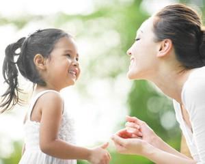 Tips Agar Ibu Bekerja Tetap Berenergi dan Semangat Urus Anak