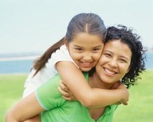 10 Cara Tunjukkan Perhatian pada Anak Meski Ibu Sibuk