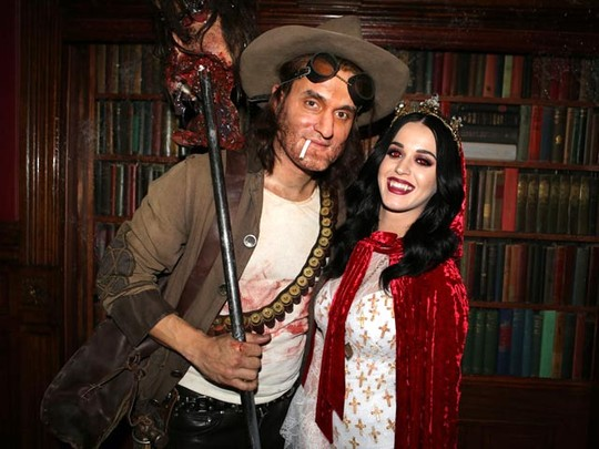 10 Gaya Pasangan Seleb Hollywood di Halloween 2012