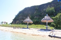 Pantai putih tempat bersantai