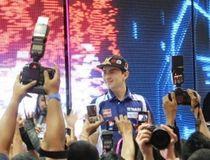 Lorenzo Adu Kebut dengan Vettel dan Schumacher, Siapa Menang?
