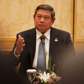 Kunjungi Indo Defence, SBY Beri Nama Kendaraan Taktis Komodo