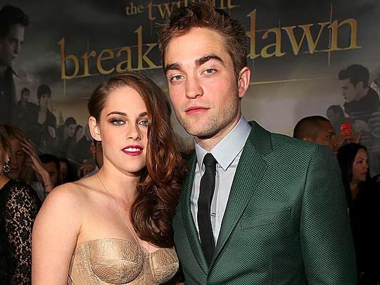 Kristen Stewart & Robert Pattinson Akhirnya Tampil di Publik
