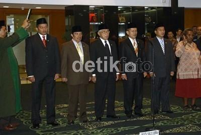 MPR Lantik 6 Anggota Baru