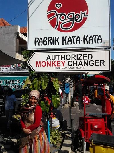 Joger, Oleh-oleh Khas Bali yang Lucu & Unik